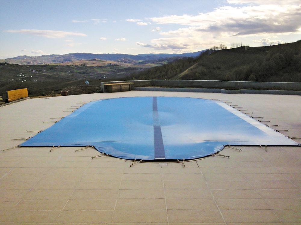 Vista piscina con copertura MsPiscine